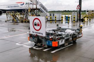 Driverless luggage dolly